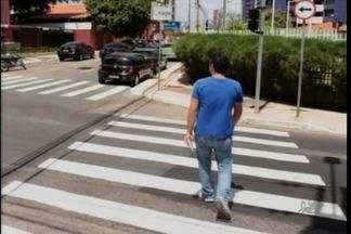 AMC reforça sinalização no cruzamento das Ruas Andrade Furtado com Batista de Oliveira - Moradores reclamavam dos constantes acidentes no local.