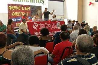 Professores do estado decidem hoje greve em Santarém - A categoria pode aderir à paralisação que já dura mais de 30 dias em Belém e mais de 50 municípios do Pará.