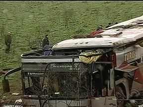 Polícia investiga causas do acidente com ônibus que deixou quatro mortos no RS - Ônibus vinha do Paraguai e transportava pelo menos 36 passageiros, além dos dois motoristas.