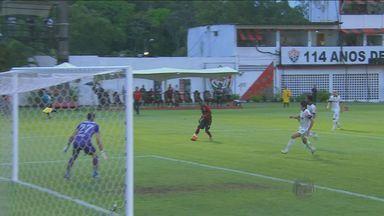 Veja os lances dos jogos da rodada dos times paulistas no Brasileirão - O São Paulo venceu a Portuguesa por 2 a 1. Já o Santos perdeu para o Cruzeiro por 1 a 0. O Corinthians empatou com o Vitória em 1 a 1.