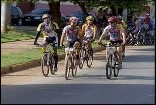 Atletas mostram força nos pedais no Desafio Inter TV de Mountain Bike - Para os competidores a disputa, além de incentivar a prática do esporte, diverte e os coloca em contato com a natureza.
