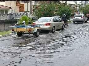 Temporal castiga cinco estados do Nordeste - Choveu até granizo no agreste de Pernambuco, Alagoas e Rio Grande do Norte. Em Aracaju choveu três vezes mais que o esperado para todo o mês de novembro.