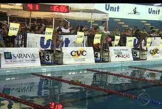 Sergipanos e baianos participam de Circuito Escolar de natação - O Circuito contou com 300 atletas, dos 6 aos 12 anos, uma metade de sergipanos e a outra de baianos. O torneio serve de preparação para o Desafio TV Sergipe de Natação que acontece nos dias 8 e 9 de novembro.