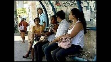 Moradores da região Norte do ES, reclamam do transporte público - Em São Mateus, a prefeitura disse que 16 novos abrigos foram instalados no município. Em Linhares, há um projeto em que notificará através dos celulares os horários dos ônibus.