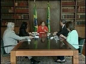 Confira os comentários de Cacau Menezes sobre entrevista com presidente Dilma - Confira os comentários de Cacau Menezes sobre entrevista com presidente Dilma