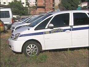 Cinco taxis de Foz do Iguaçu foram apreendidos pelo Foztrans - A decisão foi tomada depois de muitas reuniões com os taxistas e nenhum acordo.