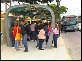 Moradores reclamam de mudanças no transporte coletivo em Itapetininga - A troca de empresa de transporte coletivo em Itapetininga (SP) e mudanças no sistema de operação estão gerando dúvidas e reclamações dos usuários.