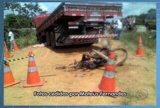 Motociclista morre ao colidir com caminhão em Capela, SE - Moto ficou totalmente destruída.Condutor do veículo não te ver ferimentos.