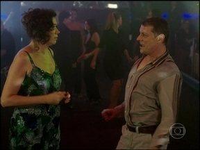 Divirta-se com Lilia Cabral e Marcelo Airoldi dançando em Divã - Cena foi ao ar em 2011