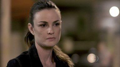 Gina tenta não se aproximar de Elias - Ela diz que não quer ter nada com nenhum homem. Mas ele diz que promete esperar pela irmã de Bruno