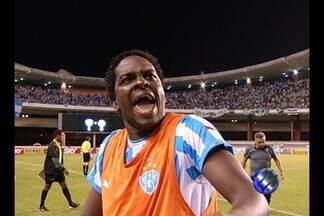 Marcelo Nicácio xinga torcida do Paysandu - Atacante tomou a atitude no fim da partida contra o Palmeiras.
