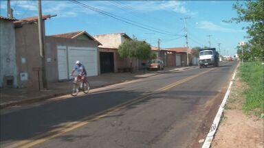 Ciclista morre atropelado em Franca, SP - Rapaz de 26 anos foi arrastado por 50 metros em Avenida Geralda Rocha Silva