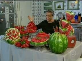 Inspirado em Perséfone, Otaviano experimenta a dieta da melancia - Veja os pratos que podem ser feitos com a fruta