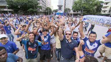 Belo Horizonte teve festa cruzeirense nesta quinta-feira - Time foi tricampeão brasileiro em jogo contra o Vitória, no fim de semana.
