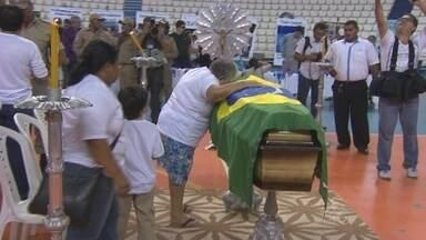 Corpo de nadador amazonense morto atropelado em Vitória é velado em Manaus - Pedro Nicolas participaria de uma competição nacional.
