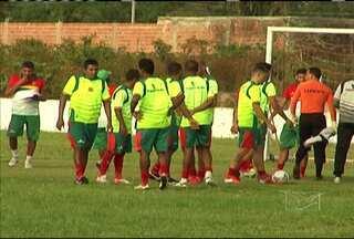 Problema extra-campo pode desfalcar o Sampaio para a decisão da Série C do Brasileiro - Nove jogadores terão seus contratos encerrados um dia antes da final do torneio.