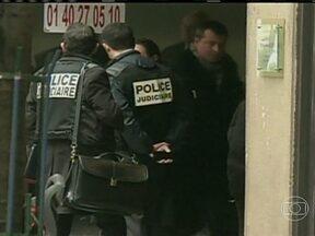 Polícia da França procura homem suspeito de três ataques a tiros em Paris - O agressor invadiu a sede de um jornal francês e feriu gravemente um fotógrafo. A polícia deu um alerta e os demais jornais da capital francesa reforçaram a segurança.
