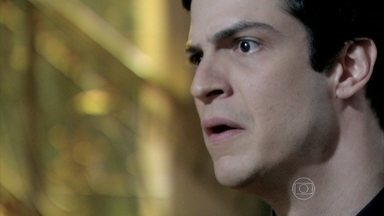 César diz que tem provas contra Félix - O presidente do San Magno se faz de desentendido. Bruno vai buscar suas testemunhas