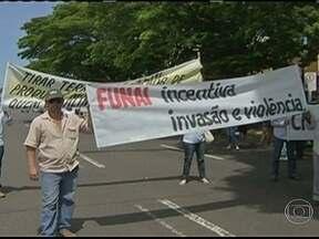 Agricultores ocupam sede da Funai em Campo Grande - Eles protestam contra a demarcação de terras indígenas em Mato Grosso do Sul e querem uma solução para os conflitos agrários.