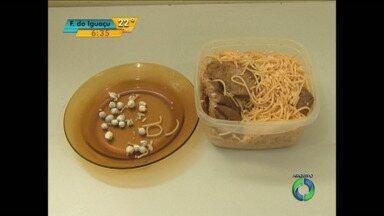 Agentes aumentam fiscalização sobre alimentos enviados para presos - Em alguns casos, a comida esconde drogas para os detentos.