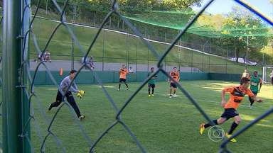 Jô volta da Seleção Brasilelra e deve ser opção para jogo contra o Goiás - Na ausência do atacante da seleção, o reserva Alecsandro tem dado conta do recado. Ele é o artilheiro do time no Campeonato Brasileiro.