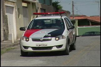 Após ataques ao transporte público, policiamento é reforçado no Jardim Camila em Mogi - Aumento no efetivo será principalmente entre o fim da tarde, noite e madrugada. Dois ônibus foram incendiados.