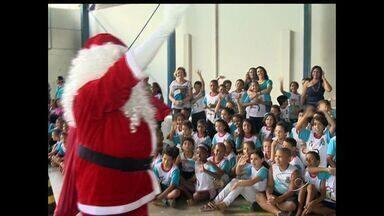 Campanha 'Papai Noel dos Correios' é lançada no ES - Quinze mil crianças carentes esperam recebem presentes neste ano.