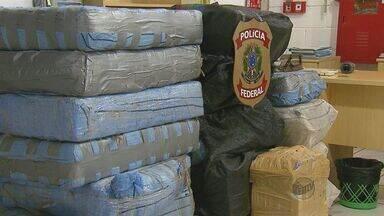 Polícia Rodoviária apreende cerca de 700kg de cocaína em um caminhão na SP-310 - Polícia Rodoviária apreende 700kg de cocaína em um caminhão na SP-310.