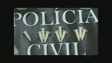 Polícia prende 3 suspeitos de tráfico com pasta base de cocaína em Matão, SP - Polícia prende 3 suspeitos de tráfico com pasta base de cocaína em Matão, SP.