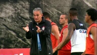 Mesmo perto de sair, Tite continua a todo vapor no Timao e é elogiado por Paulo André - Zagueiro exalta dedicação do treinador que vive as últimas semanas no Corinthians