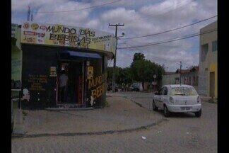 Homem morre depois de assalto na Paraíba - Um homem assalta uma loja e na fuga é atropelado e morre, em Campina Grande.