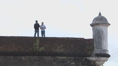 FALA COMUNIDADE: esta semana o quadro destaca os monumentos históricos do Amapá - A MAIORIA DAS CAPITAIS POSSUI UM CENTRO HISTÓRICO OFICIALMENTE IDENTIFICADO, COMPOSTO POR CASARÕES ANTIGOS, PRÉDIOS, IGREJAS, MONUMENTOS. APESAR DE TERMOS UMA HISTÓRIA RICA, AQUI EM MACAPÁ NÃO EXISTE NADA DISSO.