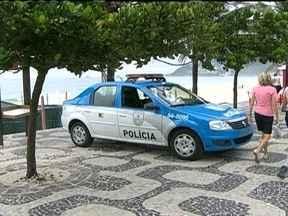 Reforço do patrulhamento das praias do Rio no fim de semana está mantido - Homens da tropa de elite das polícias Civil e Militar vão atuar nas areias e nas ruas de acesso às praias para tentar impedir que novos arrastões aconteçam. Ônibus também serão revistados.