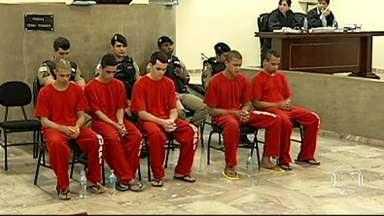 Justiça em Uberlândia condena cinco homens por chacina - As penas variaram entre 104 e 117 anos de prisão.