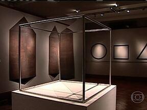 Exposição da obra de Sérvulo Esmeraldo termina neste sábado (30) no Rio - A exposição de 70 peças faz um passeio pela trajetória do artista. O cearense é um dos brasileiros de projeção internacional na arte contemporânea.