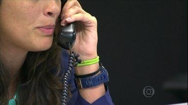 Erros de comportamento dentro das empresas podem levar à demissão - É preciso ter cuidado na hora de usar o telefone ou enviar um e-mail. Especialista ressalta as gafes mais comuns nas festas de confraternização de final de ano.