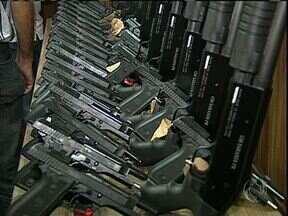 Guarda Municipal de Sarandi apresenta armas de fogo - As armas só serão usadas depois de treinamento