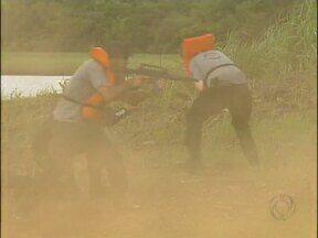 Policiais federais de todo o país participaram de um treinamento no lago de itaipu - O treino foi realizado na água e na terra.