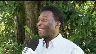 Autoridades no futebol chegam à Bahia para sorteio da Copa do Mundo - Na Costa do Sauípe, o mundo do futebol já começou a desembarcar para o evento, que acontece nesta sexta-feira (6). Serão sorteados os três primeiros adversários de cada uma das 32 seleções.