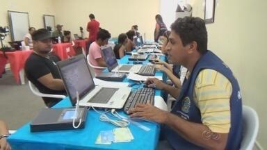 Eleitores têm dificuldade de fazer recadastramento biométrico, no AM - Em Manacapuru, eleitores enfrentam dificuldades para fazer o recadastramento; município é o maior colégio eleitoral do interior do estado.