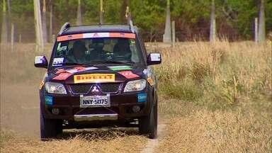 Confira a etapa final da Mitsubishi Motorsports Nordeste - Navegadores e pilotos exploram seus veículos off road pelas praias e dunas de Fortaleza na última prova do ano do rali de regularidade.