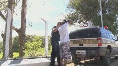 Menor é detido suspeito de matar homem em motel de Pouso Alegre - Menor é detido suspeito de matar homem em motel de Pouso Alegre