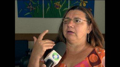 Mulher que teve olho arrancado doa córnea - Olho foi arrancado pelo filho, durante um surto psicótico.
