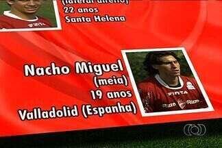 Vila se apresenta com novidade argentina - Meia Nacho Coria, de 18 anos, estava na Espanha e assinou por dois anos. Clube tem outras contratações.