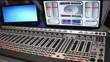 FM Sergipe inaugura transmissão digital - A rádio FM Sergipe inaugura uma nova fase para o mundo digital com o recurso tecnológico RDS, um sistema que oferece informações da música que está sendo tocado no display do aparelho.