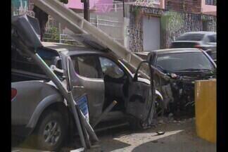 Acidente em CG - Duas pessoas ficaram feridas num acidente hoje em Campina Grande.