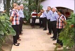 Ritmo da catira - Catireiros de Bauru, SP, mostram a alegria e o estilo inconfundível da catira, dança do folclore brasileiro. Até os mais jovens se esforçam para manter a tradição