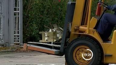 Grupo armado invade Embraer e explode seis caixas eletrônicos - Crime foi na madrugada desta sexta-feira (13) em São José dos Campos. Dois funcionários ficaram feridos, mas passam bem. Ninguém foi preso.