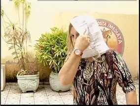 Mulher é presa ao tentar sacar benefício com documentos falsos - Delegado da Polícia Civil diz que homens tentaram aplicar mesmo golpe há dois dias.