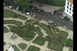 Uma sexta-feira para calcular os prejuízos, depois do temporal da última quinta em Belém - De acordo com a meteorologia, a força do vento foi oito vezes maior do que o considerado normal na capital.